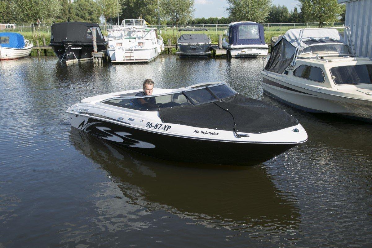 Four Winns speedboot – Jachthaven Marina Rijnsburg